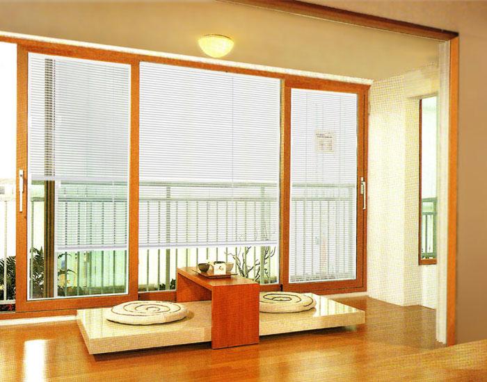 欧泰克客厅百叶中空玻璃门窗案例