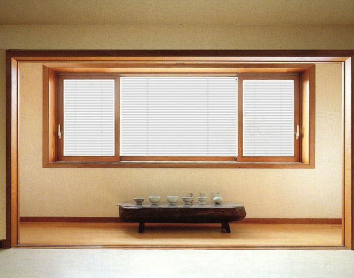 欧泰克小客厅中空百叶玻璃门窗案例