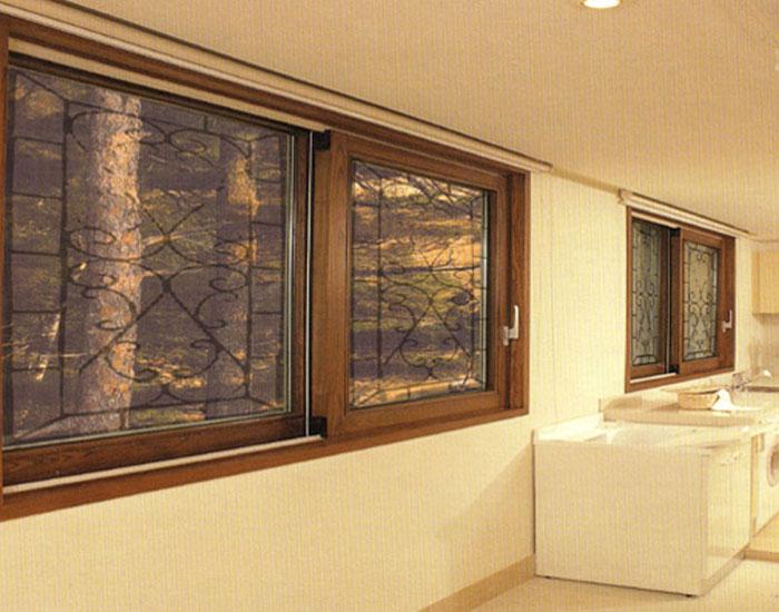 欧泰克木质+金属客厅中空玻璃门窗案例