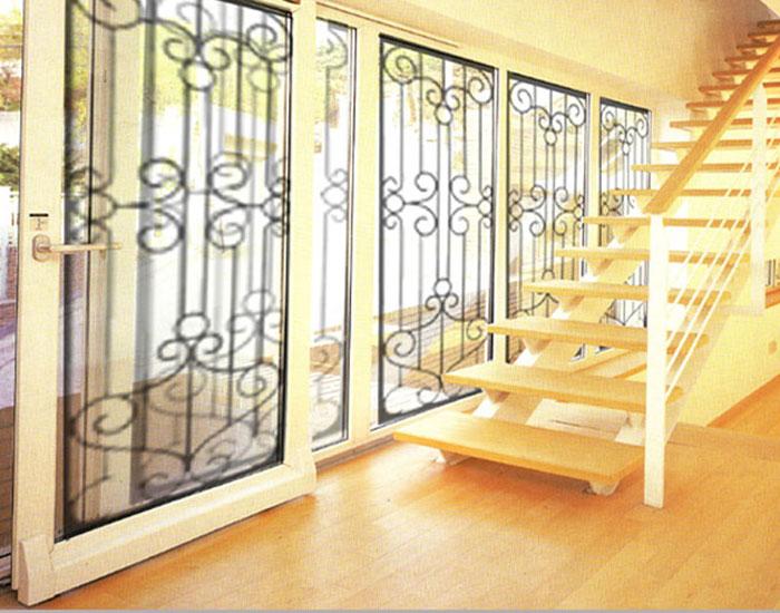 欧泰克塑钢+金属客厅中空玻璃超大门窗案例