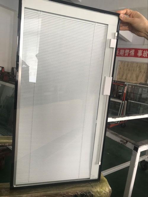 新研发14mm中空层百叶玻璃